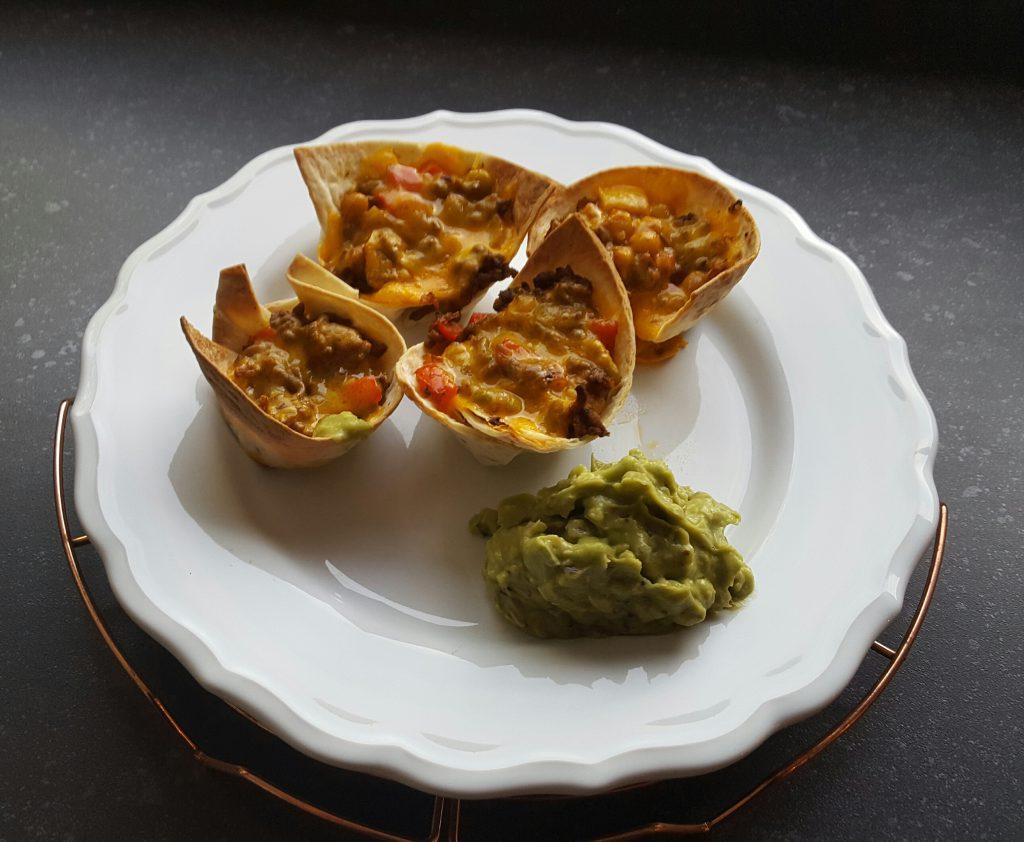 guacamole zonder pakjes en zakjes met mexicaanse hapjes