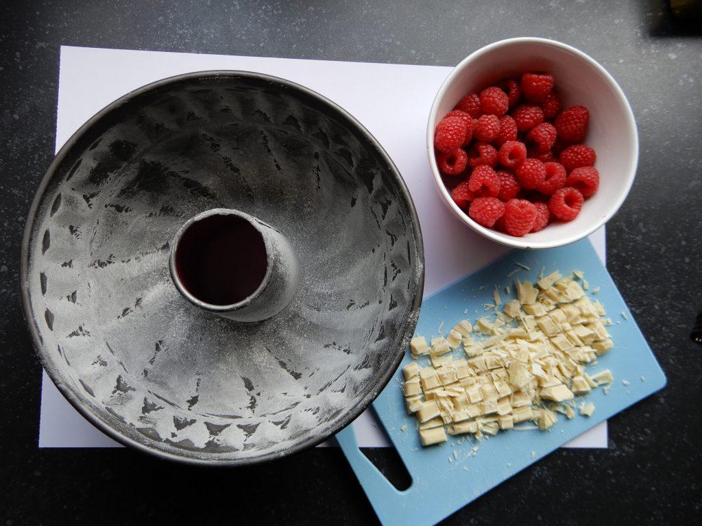 Ronde cake met framboos en witte chocolade recept BurgertrutjesNL