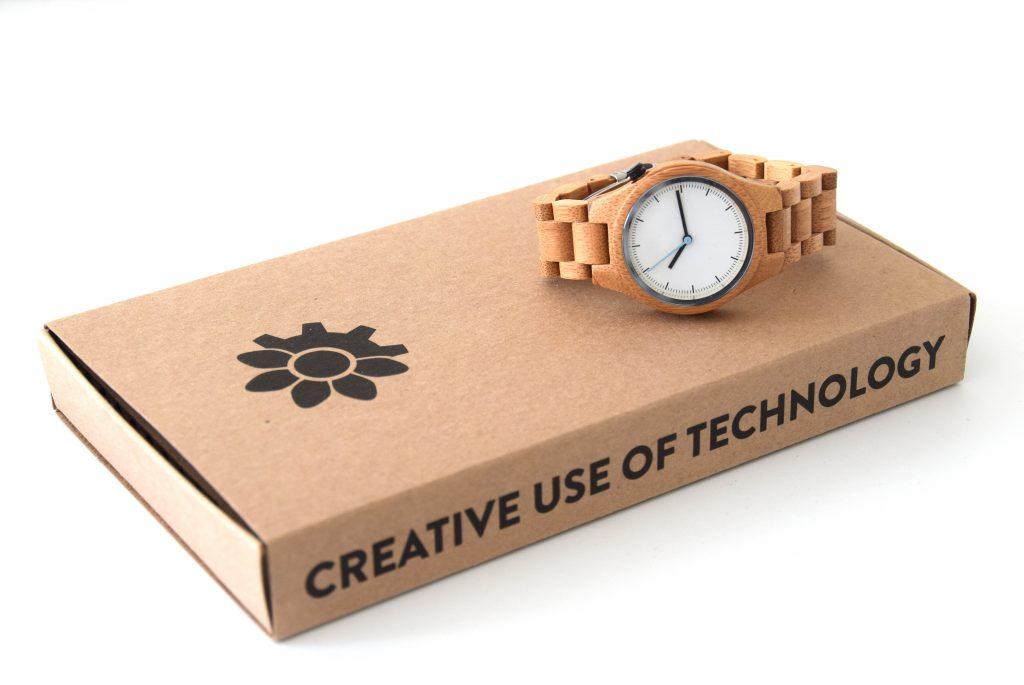 Win een houten horloge! Winactie BurgertrutjesNL