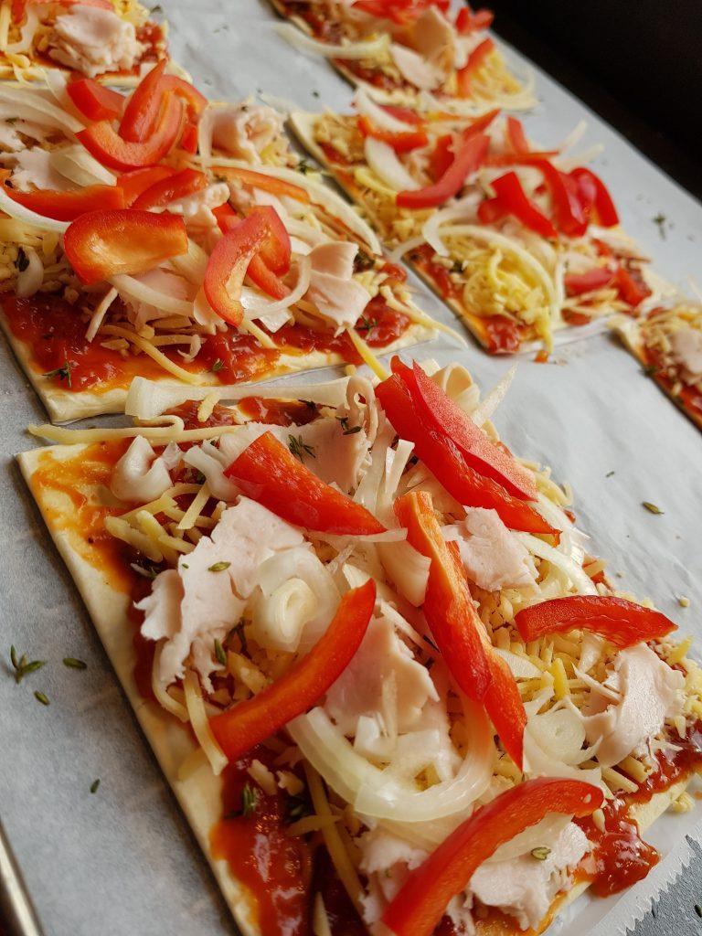 Snelle mini pizza's van bladerdeeg. Recept BurgertrutjesNL
