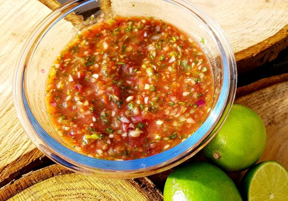 Recept Mexicaanse salsa met tomaat, ui en limoen